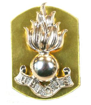 Royal Artillery collar badge